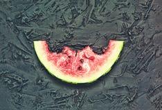 Melancia, dia da melancia, EUA, fatia da melancia, mordida, na Foto de Stock Royalty Free