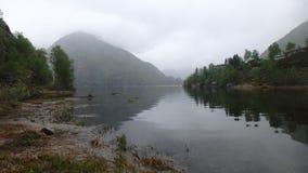 Melancolía en Noruega en Dale - el hombro ciego del fiordo fotografía de archivo libre de regalías