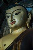 Melankolisk Buddha med ärr och skrapor i framsidan Royaltyfri Fotografi