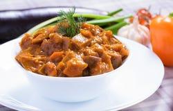 Melanzana al forno con le verdure Immagini Stock