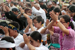 Melasti ceremoni i Klaten royaltyfri foto