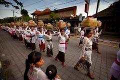 Melasti ritual på Bali Royaltyfria Bilder