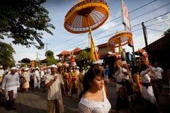 Melasti Ritual wird vor Nyepi durchgeführt lizenzfreie stockbilder
