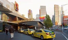 MELBOURNE, AUSTRALIA - 18 DE ABRIL DE 2016: Ingenio de la entrada del casino de la corona Imágenes de archivo libres de regalías