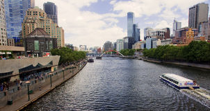 MELBOURNE, AUSTRALIA - DECEMBER 30, 2014: Yara River runs th Royalty Free Stock Image