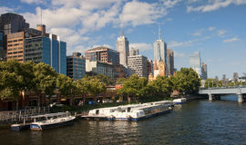 MELBOURNE.., AUSTRALIA.. - DECEMBER 30, 2014: Yara River runs th Royalty Free Stock Images