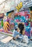 MELBOURNE, AUSTRALIA, - OCTUBRE DE 2015: Arte colorido de la calle por uni Fotografía de archivo libre de regalías