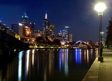 MELBOURNE AUSTRALIEN - APRIL 18, 2016: Ett panorama- foto av nigh Arkivfoto