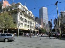 Melbourne Australien - Swanston St under lunchtid royaltyfri fotografi