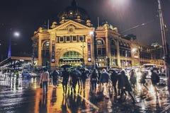 Melbourne che piove notte Fotografia Stock