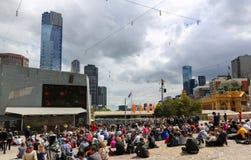 Melbourne Cup dag på federationfyrkanten Arkivfoto