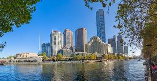 Melbourne Eureka i Footbridge wierza Fotografia Stock