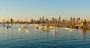 Melbourne horisont från St Kilda Arkivfoto