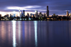 Melbourne la nuit photo libre de droits