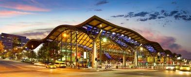 MELBOURNE - Luty 4th 2009: Południowego krzyża stacja kolejowa o obraz stock