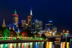 Melbourne miasta drapacze chmur przy nocą Obrazy Royalty Free
