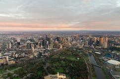 Melbourne mit dem königlichen botanischen Garten stockfotos