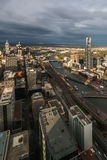 Melbourne panorama på solnedgången Arkivfoton