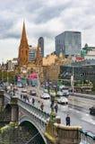 Melbourne pejzaż miejski z St Paul; s katedra i książe most Fotografia Royalty Free