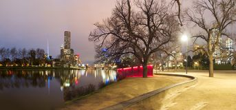 Melbourne's yarra river at night Royalty Free Stock Images