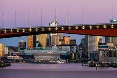 Melbourne-Skyline an der Dämmerung lizenzfreies stockbild