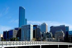 Melbourne-Skyline und Königin-Brücke Lizenzfreies Stockfoto