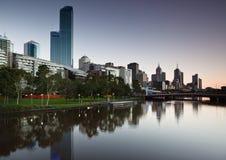 Melbourne-Skyline von Southbank lizenzfreies stockfoto