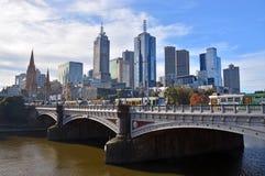 Melbourne-Stadt vom Südufer Lizenzfreie Stockfotografie