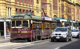 Melbourne-Trams/-autos Stockfotografie