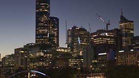 Melbourne, Victoria/Australia - 20 ottobre 2018: Pentola e zoom del timelapse della Banca di nord e sud di Melbourne video d archivio