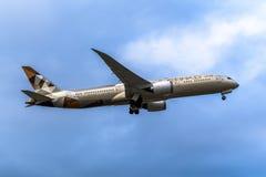 Melbourne Victoria, Australien - Maj 21, 2018: Etihad Airways Boeing 787 royaltyfria foton