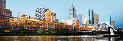 Melbourne vom Südufer stockfotografie