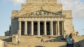 Melbourne Wiktoria, Australia, Październik,/- 23rd 2018: Świątynia wspominania timelapse szybki zoom w górę kroków zbiory