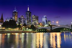 Melbourne y hora azul Foto de archivo libre de regalías