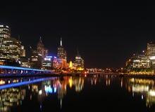 Melbournes Skyline bis zum Night Lizenzfreie Stockfotografie