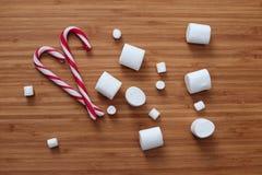 Melcocha y bastones dulces Fotos de archivo libres de regalías