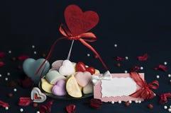 Melcochas, accesorios hermosos para el día del ` s de la tarjeta del día de San Valentín Foto de archivo