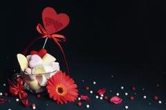Melcochas, accesorios hermosos para el día del ` s de la tarjeta del día de San Valentín Foto de archivo libre de regalías