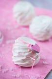 Melcochas blancas de la manzana (céfiro) para el día de San Valentín Fotografía de archivo