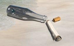 Meldungflasche auf dem Sand lizenzfreie abbildung