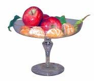 Mele e mandarini rossi in vaso isolato Immagine Stock