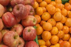 Mele ed arance Immagine Stock