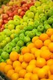 Mele ed aranci immagini stock libere da diritti