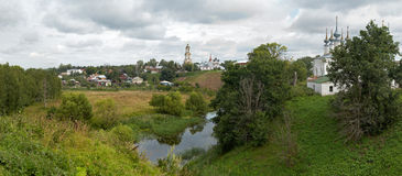 A melhor vista de Suzdal.Russia. Panorama detalhado de XXXL Fotos de Stock