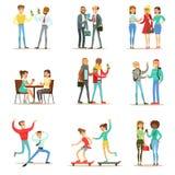 Melhores amigos felizes que têm o bom tempo junto, saindo e falando a coleção de ilustrações temáticos da amizade Imagem de Stock Royalty Free