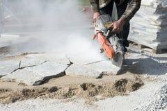 Melhoria do casa ou a home, ajardinar de pedra do pátio do corte Fotos de Stock