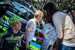 Melide, Italia 28 de mayo de 2015; Davide Formolo con su novia Fotografía de archivo