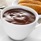 Melindros de Xocolata i, chocolat chaud avec les pâtisseries typiques du chat Photo libre de droits
