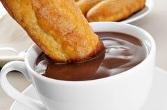 Melindros de Xocolata i, chocolat chaud avec les pâtisseries typiques du chat Photos libres de droits