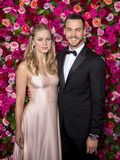 Melissa Benoit e Chris Wood em Tony Awards 2018 foto de stock